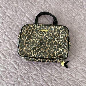 NWOT Victoria's Secret cosmetic bag